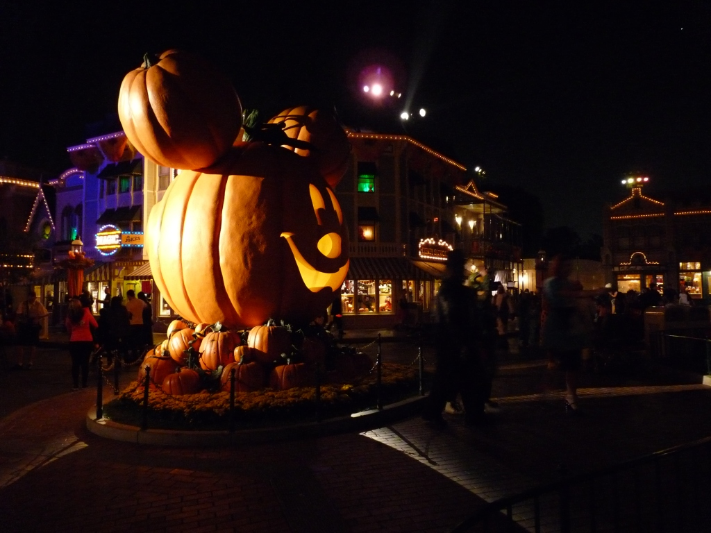Halloween night at Disneyland - photo by E. Jurus