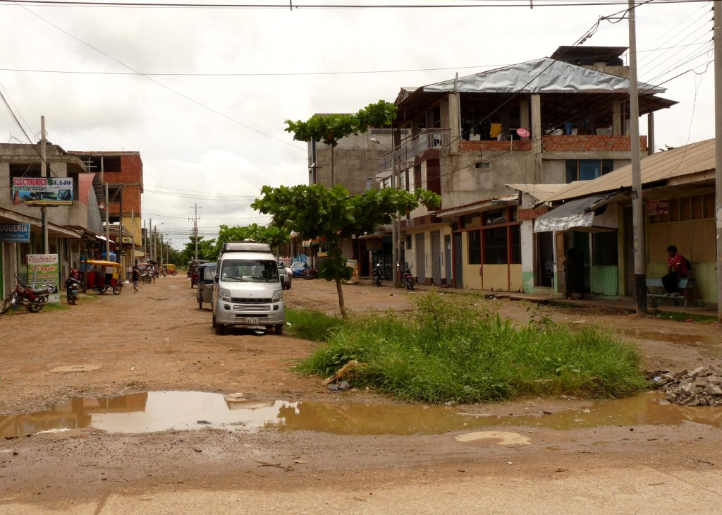Typical street in Puerto Maldonado - photo by E. Jurus